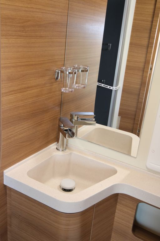 Europa M 725 GLM, lavabo toilettte in VTR
