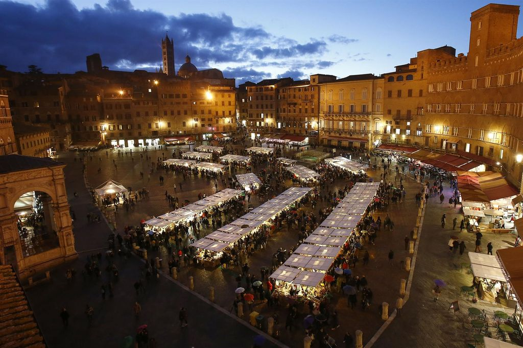 Mercato del Campo Siena