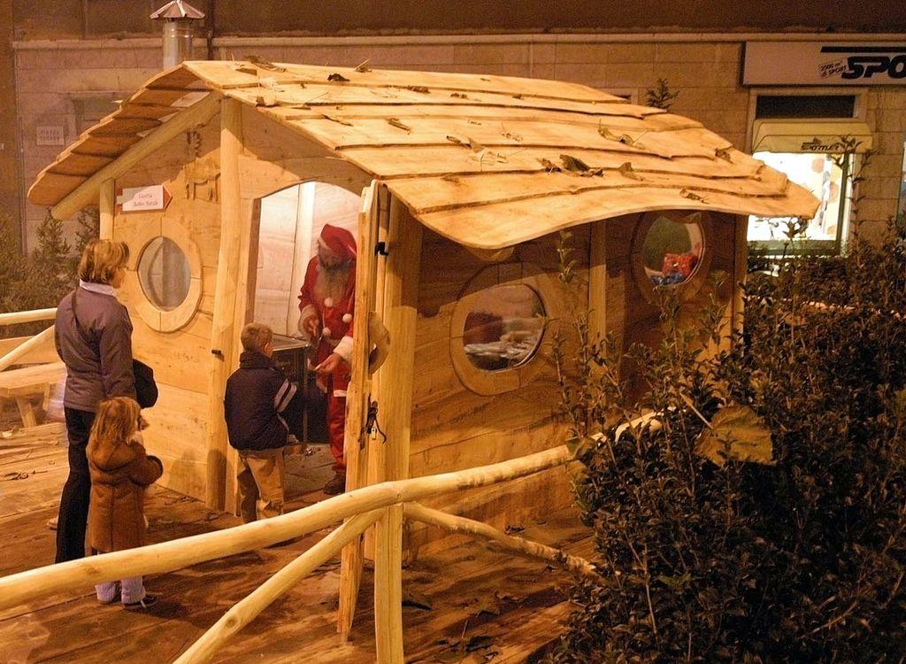 Casetta di Babbo Natale - R. Magrone