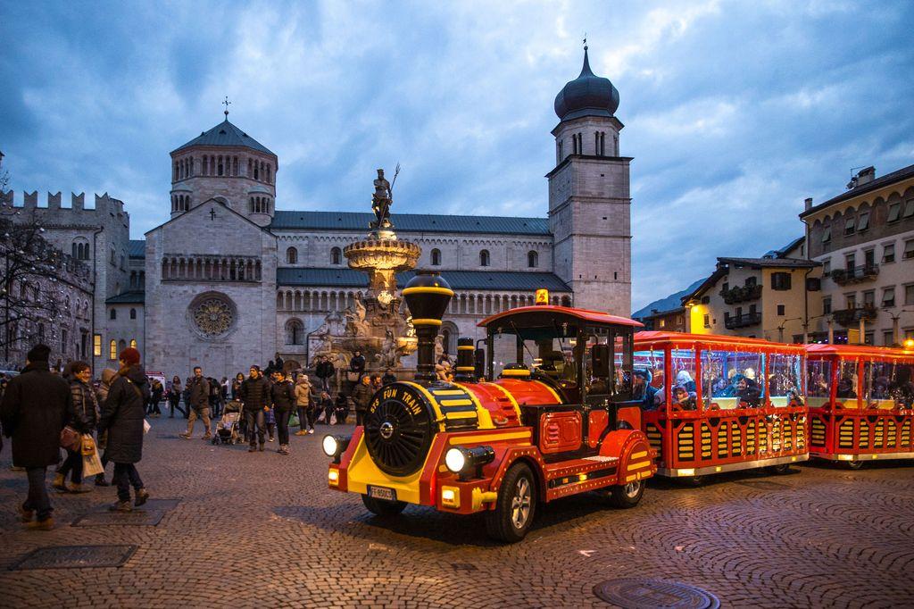 Mercatino di Natale di Trento - A. Russolo
