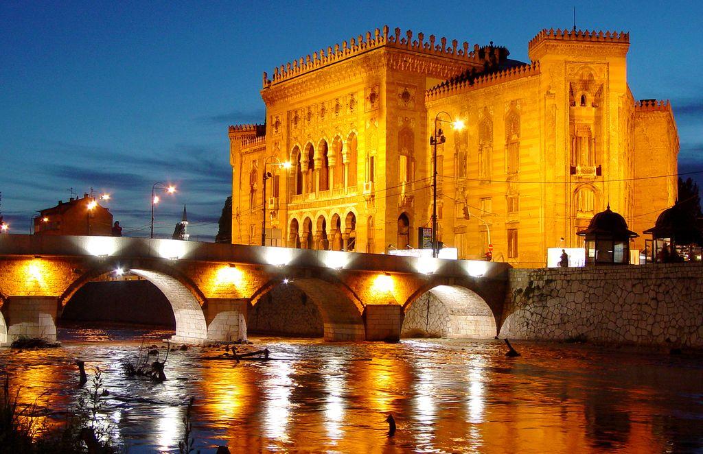 Vjecnica, il palazzo del Municipio di Sarajevo