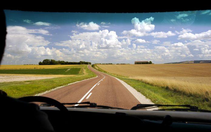 camper on the road zeus80