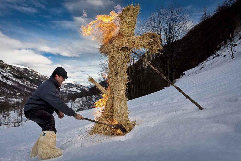 AlpiMagia Riti, leggende e misteri dei popoli alpini, un progetto fotografico